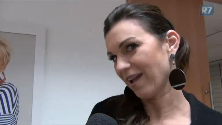 Adriana Garambone celebra sucesso de Yunet e dez anos de Rede Record