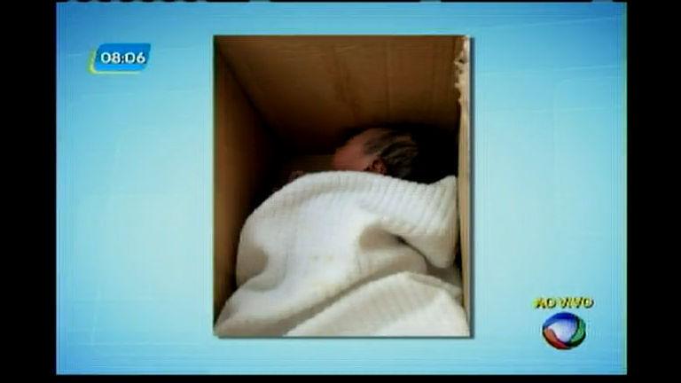 Bebê encontrado no lixo já está em abrigo para crianças
