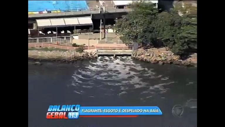 Flagra: esgoto é despejado na praia de Botafogo - Rio de Janeiro ...