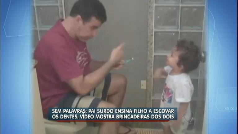 Que fofura! Pai surdo ensina o filho a escovar os dentes - Notícias ...