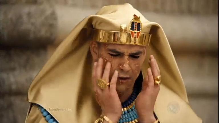 A sexta praga chega ao Egito e deixa Ramsés furioso