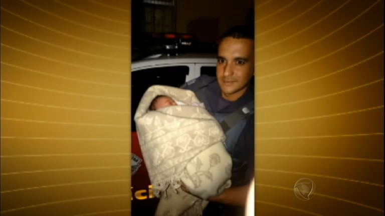 Bebê recém-nascido é abandonado dentro de sacola em área ...