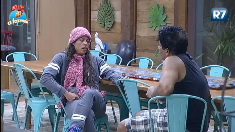 Rebeca Gusmão diz estar chateada com alguns peões - A Fazenda ...