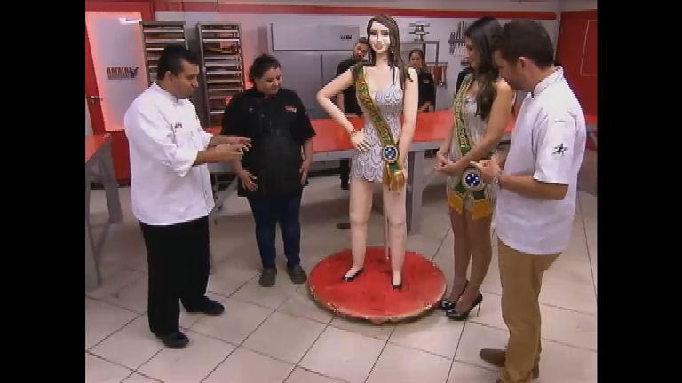 Confeiteiros têm o desafio de fazer bolo do tamanho de Natália ...
