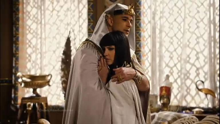 """Ramsés se declara para Nefertari: """"Você é o amor da minha vida ..."""