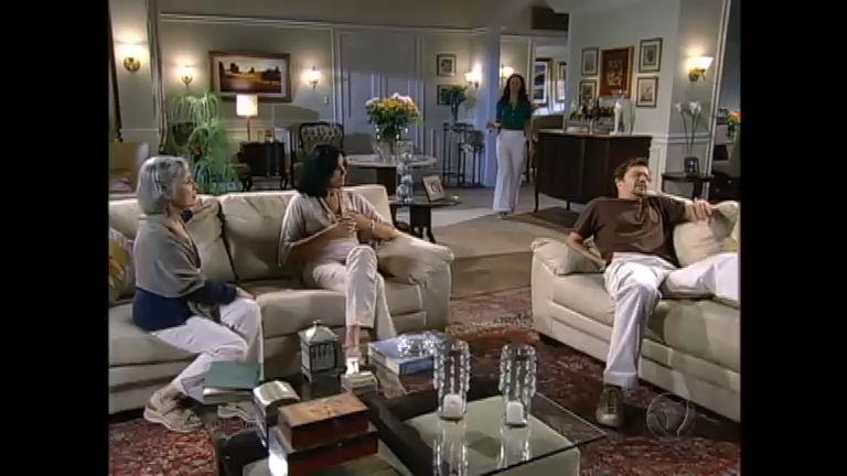 Felipe conta para a família que apanhou de Lopo - Entretenimento ...