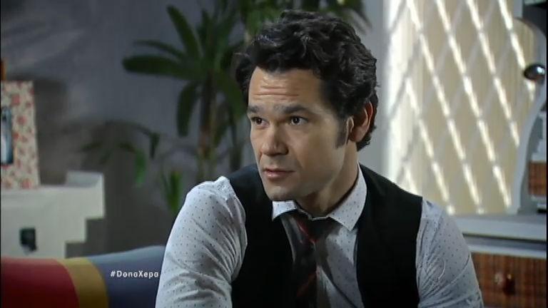 François conta para Yasmin sobre seu passado