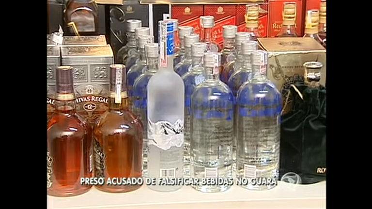 Polícia prende homem acusado de vender bebidas falsificadas