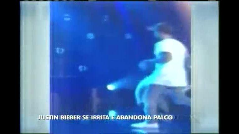 Hora da Venenosa: Justin Bieber se irrita e abandona palco