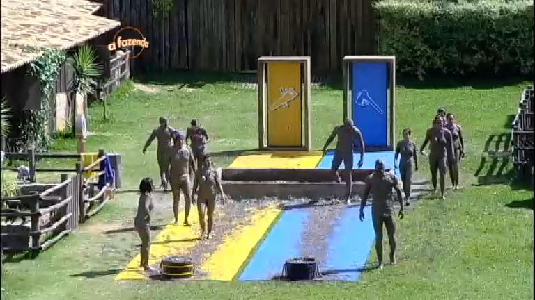 Prova do Mangue: peões entram na brincadeira e se jogam na lama ...