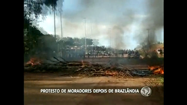 Moradores do entorno fazem protesto na BR 080 - Distrito Federal ...