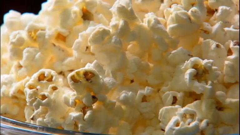 Pipoca ajuda a evitar doenças e celulite, aponta estudo americano ...