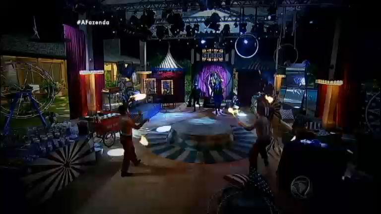 Confira tudo o que rolou ontem (6) na Festa A Magia do Circo - A ...