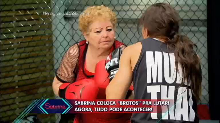 """""""Brotos"""" encaram MMA e Nona ganha beijo - Entretenimento - R7 ..."""
