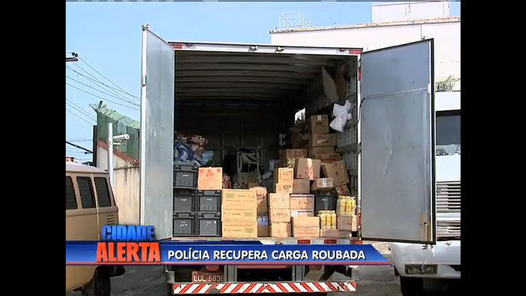 Polícia recupera quatro toneladas de carga roubada em Costa Barros