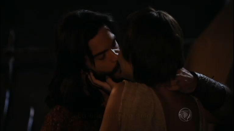 Ana e Oseias dão seu primeiro beijo de amor - Entretenimento - R7 ...