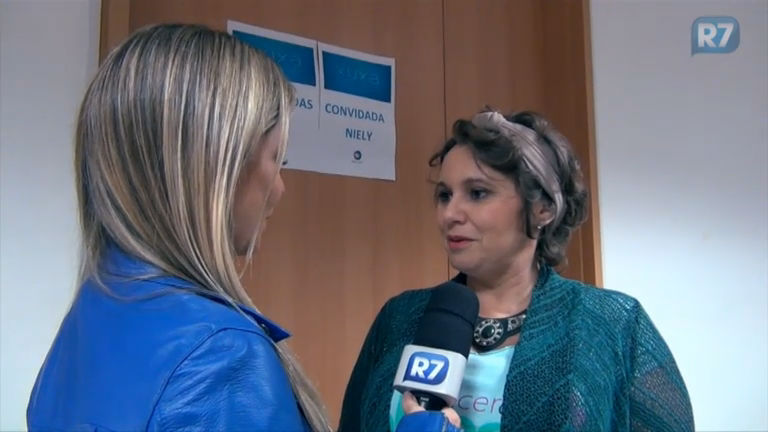 """""""Precisamos quebrar esse tabu"""", diz fundadora do projeto Câncer com Alegria"""