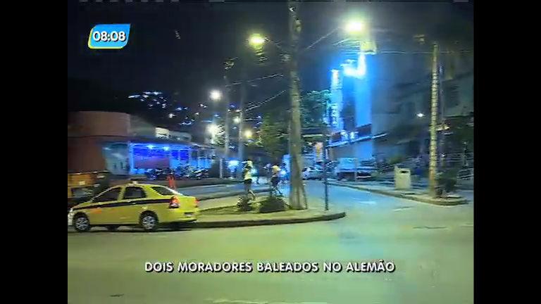 Dois moradores são baleados durante tiroteio no Complexo do Alemão