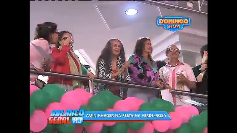 Escola de samba Mangueira homenageia Alcione e Maria Bethânia