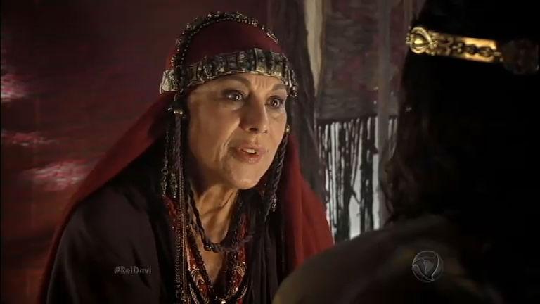 Jonatas conta para Ainoã que Selima está grávida novamente e ela rejeita a criança