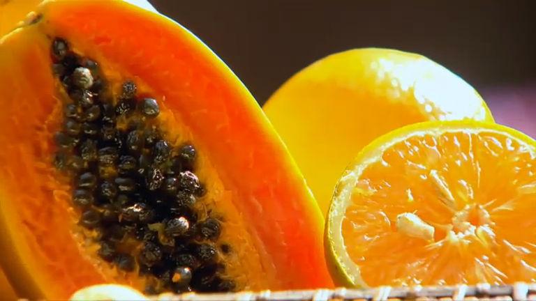 Aprenda a identificar as qualidades dos alimentos pela cor no Domingo Espetacular