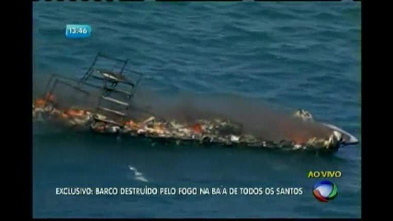 Lancha pega fogo na Baía de Todos os Santos - Bahia - R7 Balanço ...