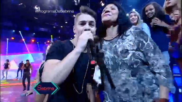 Mulherada enlouquece com Biel no palco - Rede Record