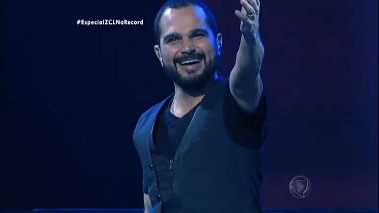 Luciano se declara e canta canção romântica para a esposa - Rede ...