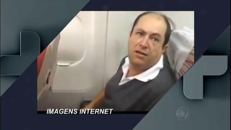 Homem que tem medo de avião vira meme - Entretenimento - R7 ...