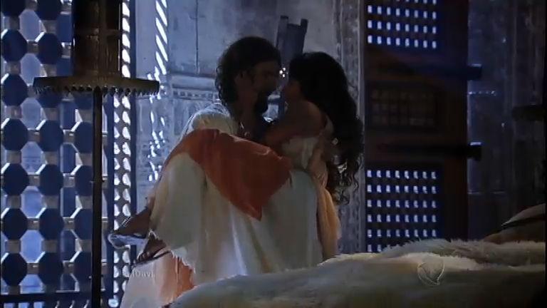 Davi e Bate-Seba tem noite de amor após jantar romântico - Record ...