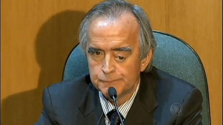 Nestor Cerveró volta para a prisão depois de dez dias solto - Rede ...