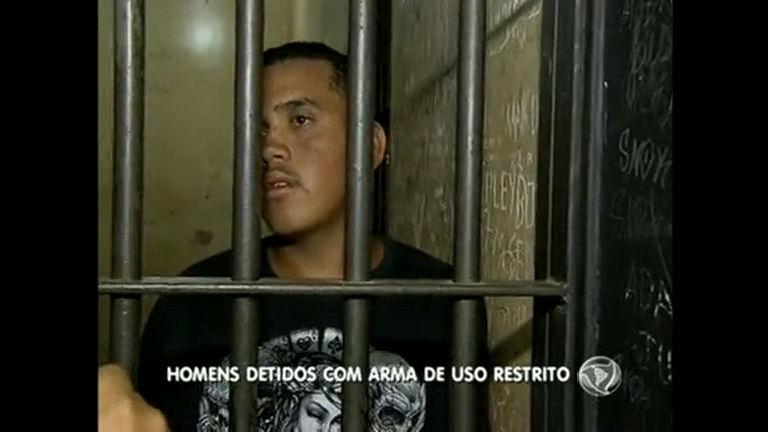Polícia prende armamento pesado em Águas Lindas de Goiás ...