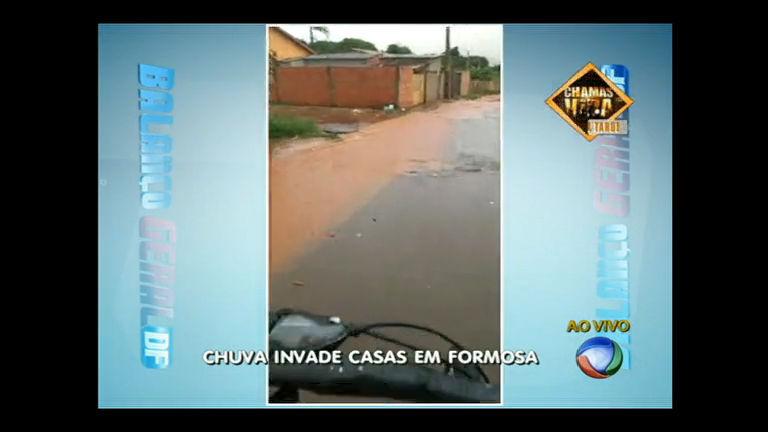 Chuva forte causa enxurradas em cidade no Entorno do DF - Distrito ...