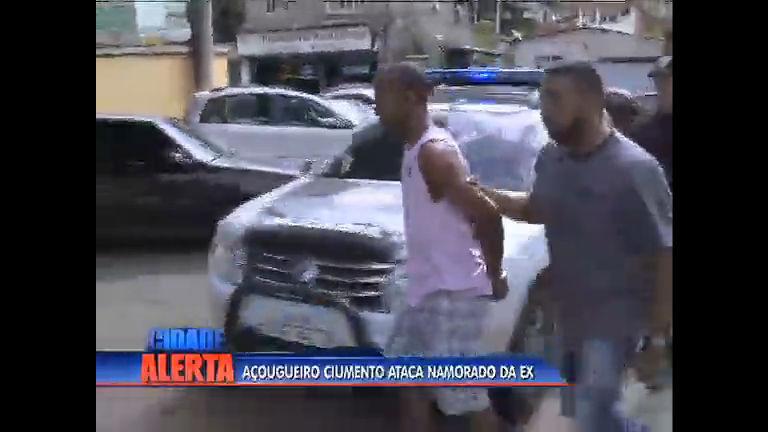 Polícia prende açougueiro que agrediu a facas namorado da ex ...