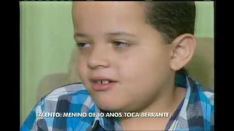 Menino de 10 anos tem fôlego absurdo para tocar berrante - Minas ...