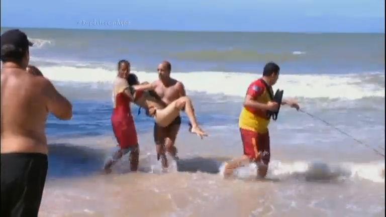 Repórter em Ação mostra resgate a vítima de ataque de tubarão em ...