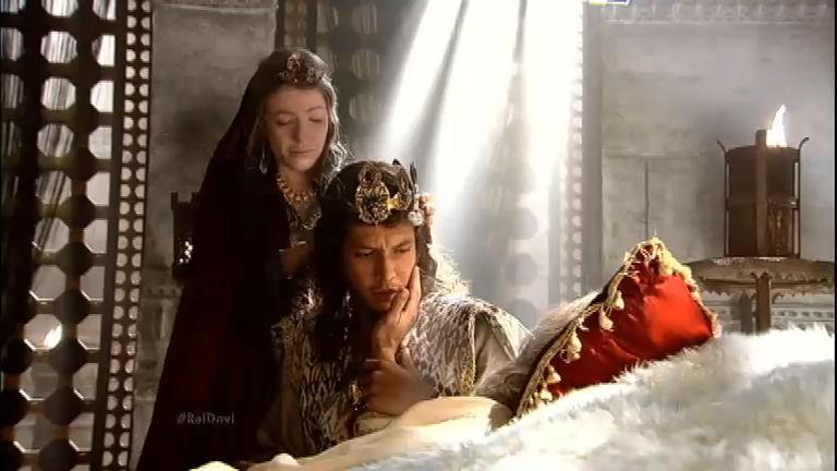 Antes de morrer, rei Davi oferece sua coroa para Salomão - Record ...