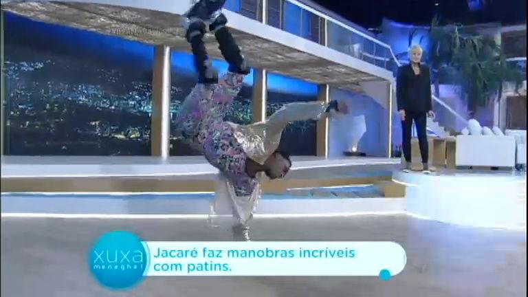 Jacaré dos patins mostra habilidade e faz manobras incríveis no palco
