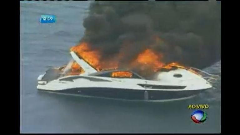 Lancha pega fogo na região da Marina do Bonfim - Bahia - R7 ...