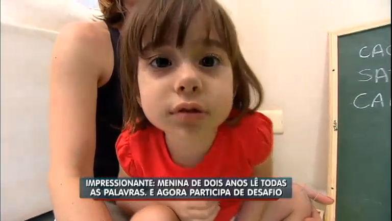 Balanço visita menina de dois anos que já sabe ler - Notícias - R7 ...