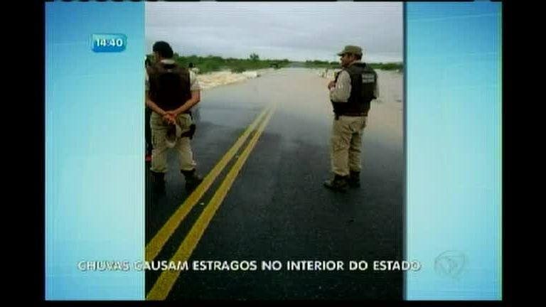 Chuvas causam estragos no interior do Estado - Bahia - R7 Balanço ...