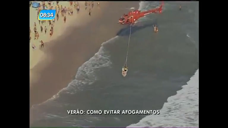 Banhista afogada é socorrida por bombeiros e helicóptero da TV ...