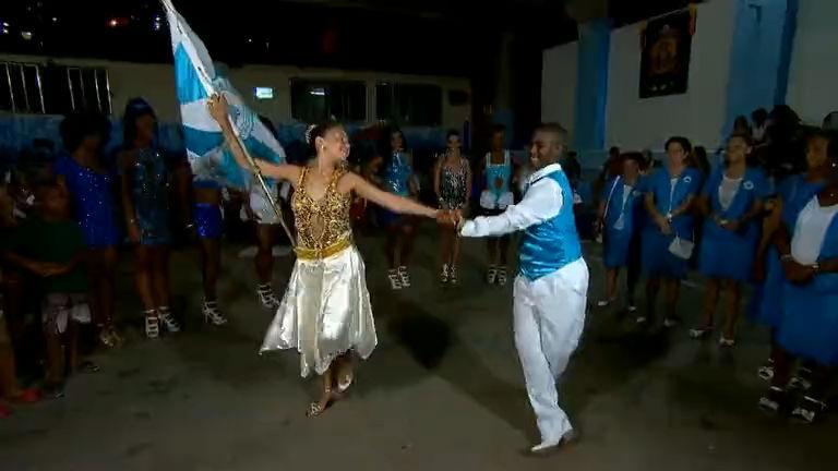 Programa da Sabrina invade a quadra da escola de samba Vila ...