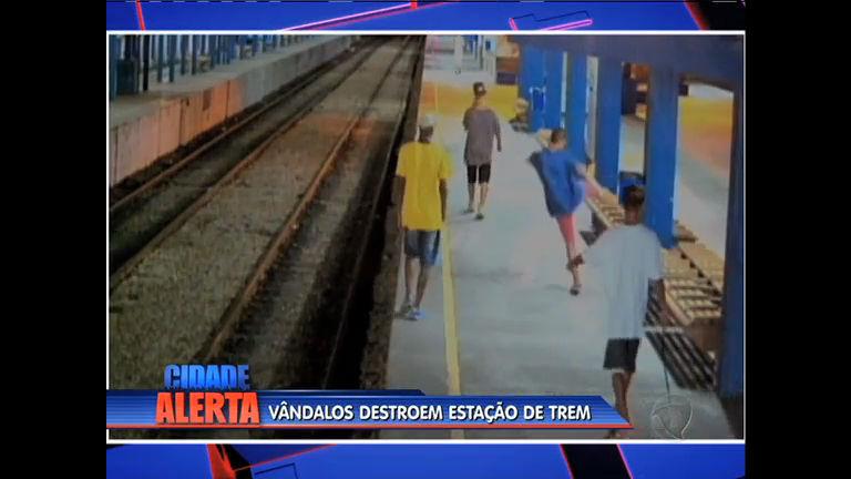 Estação de trem de Nilópolis é depredada - Rio de Janeiro - R7 ...