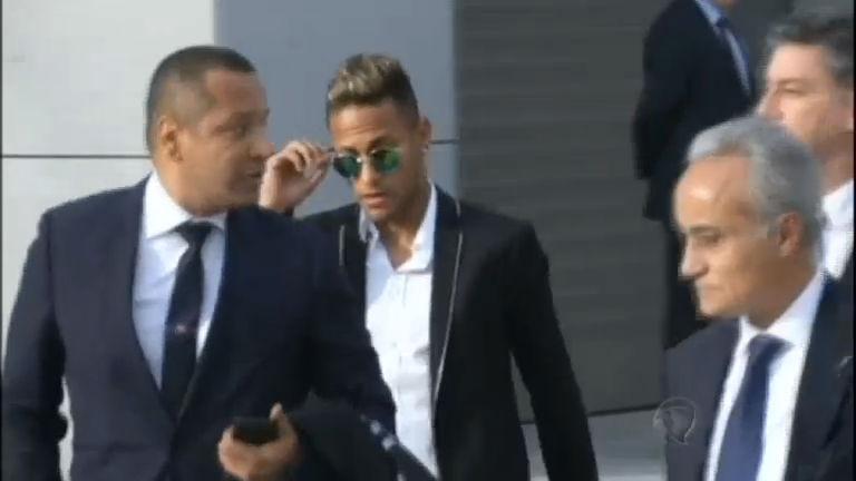 Justiça bloqueia R$ 192 milhões do patrimônio de Neymar - Rede ...