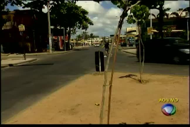 Bandidos trocam tiros com a polícia em Itapuã
