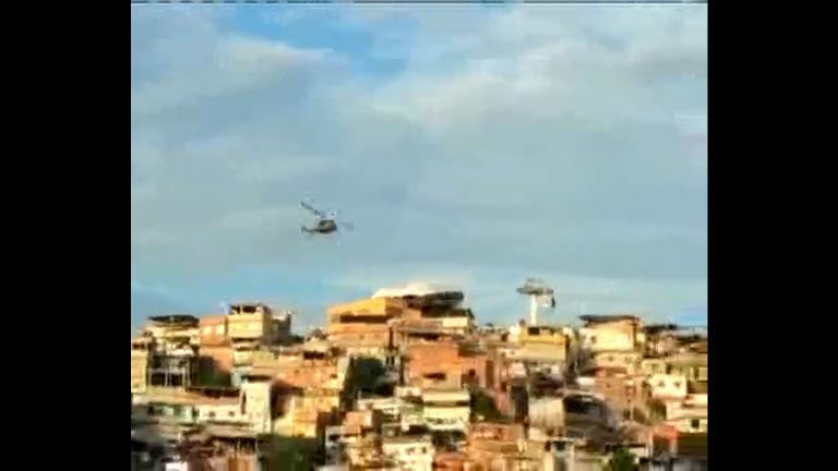 PM faz operação no complexo do Alemão - Rio de Janeiro - R7 ...