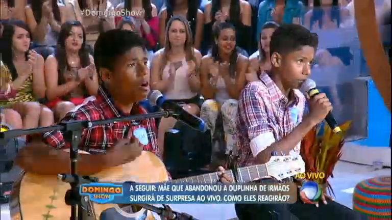 Meninos cantam música gospel no estilo sertanejo - Entretenimento ...