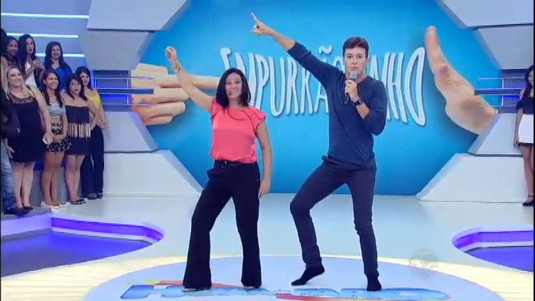 Dança gatinho! Regina pede e Rodrigo Faro faz coreografia ao som ...