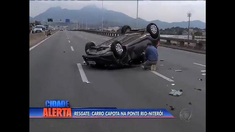 Carro capota na ponte Rio-Niterói - Rio de Janeiro - R7 Cidade ...